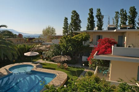 Apartments next to the beach!! - Chania - Lejlighed