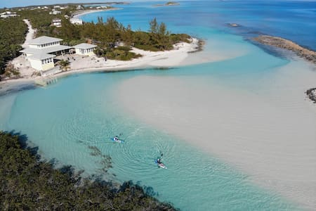 NEW! Stunning Ribbon of Blue Beach House in Exuma