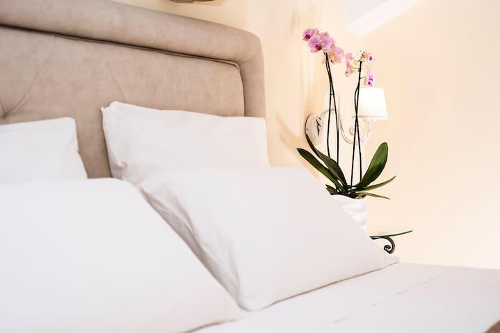 Confortevole camera matrimoniale ad Amalfi