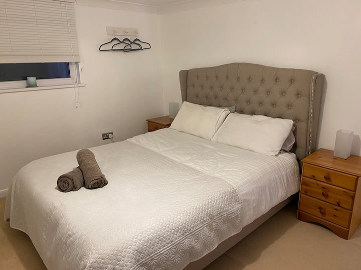 1 bedroom flat with own entrance and parking space