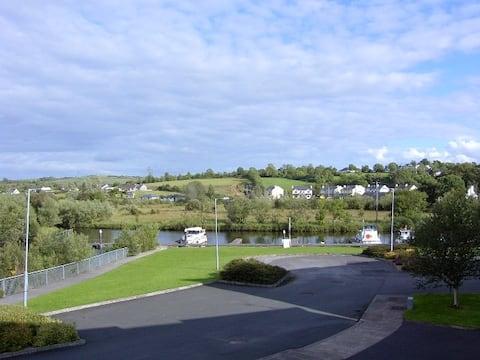 Leitrim Village on river shannon