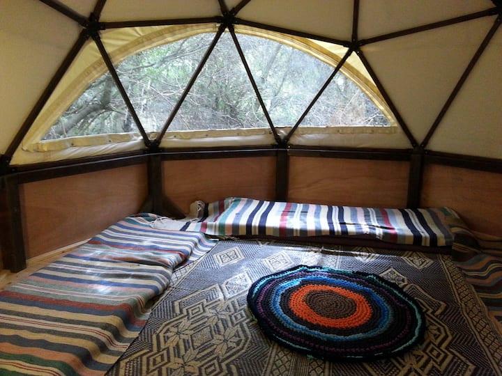 hila camping hut + tent