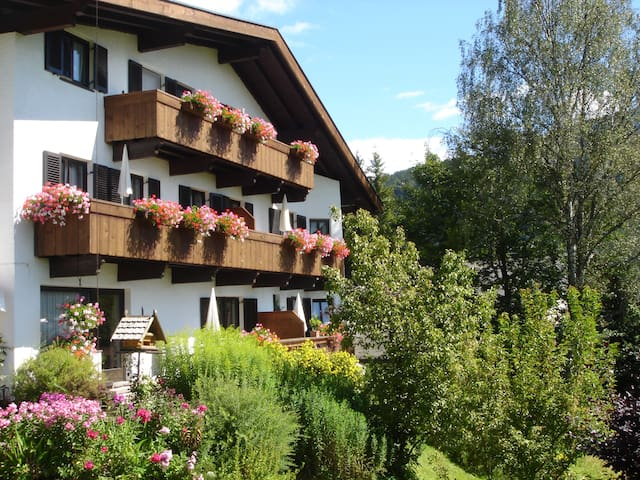 Landhaus Frenes Apartments, Seefeld in Tirol - Seefeld - Vacation home