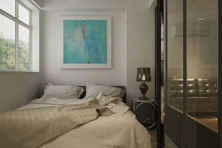 A stylish one bedroom in the heart of the new hip SOHO West (known also as Sai Yin Pun). Beautifully decorated and fit for the anyone who wants to be in the heart of Hong Kong. Fully furnished 1 bedroom flat, with towels and bedding. Non-smoking unit