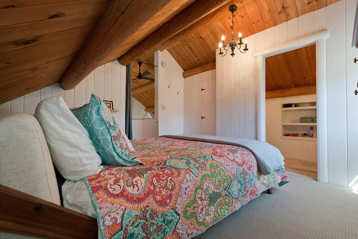 Cozy Master Bedroom upstairs with a queen size bed