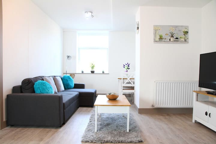 ✪ Ideal Romford ✪ Serviced South Street Apartments - 1 Bed Perfect for Town Centre/Shopping/A12/TFL ✪