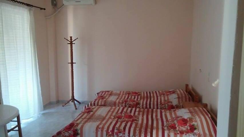eutixias studio 2