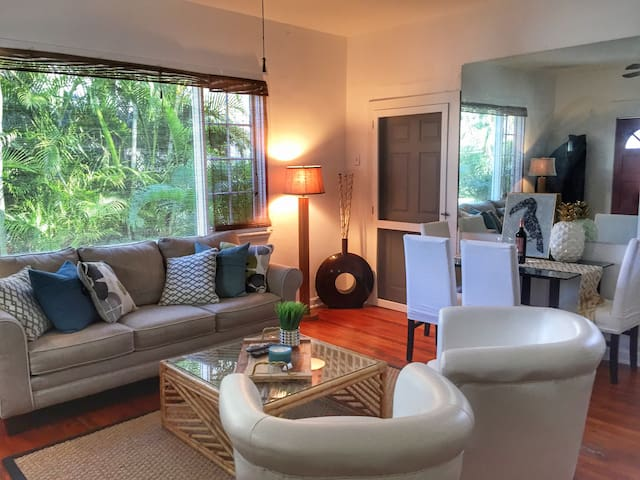 Charming Cottage | Walk To Beach! - Palm Beach - Gastsuite