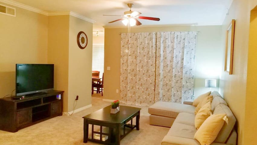 Beautiful two bedrooms two bathrooms apartment