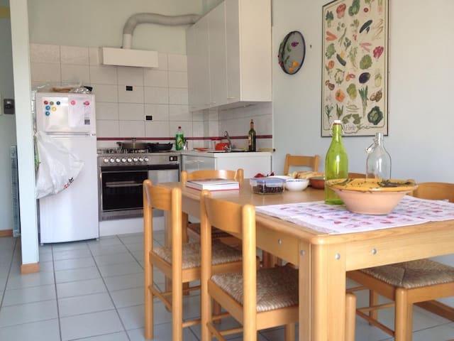 appartamento luminoso con terrazzo - Lido di Fermo