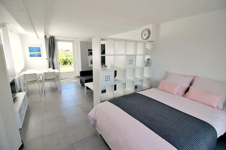 Appart 35 m2 terrasse sud et jardin vue mer  ★★★