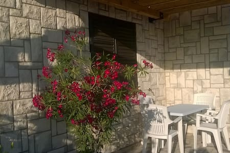 Small apartment with terrace - Senj