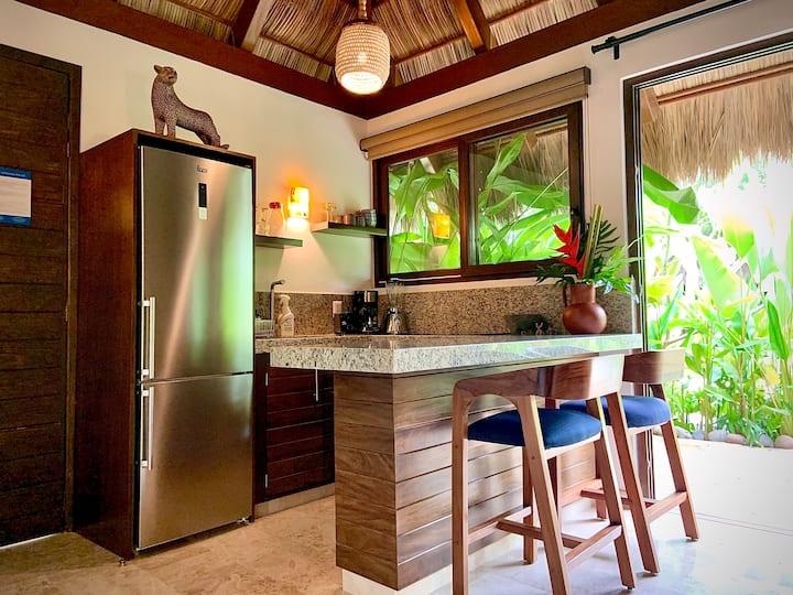 "Luxurious Bungalow in Tropical Oasis (""Plumeria"")"