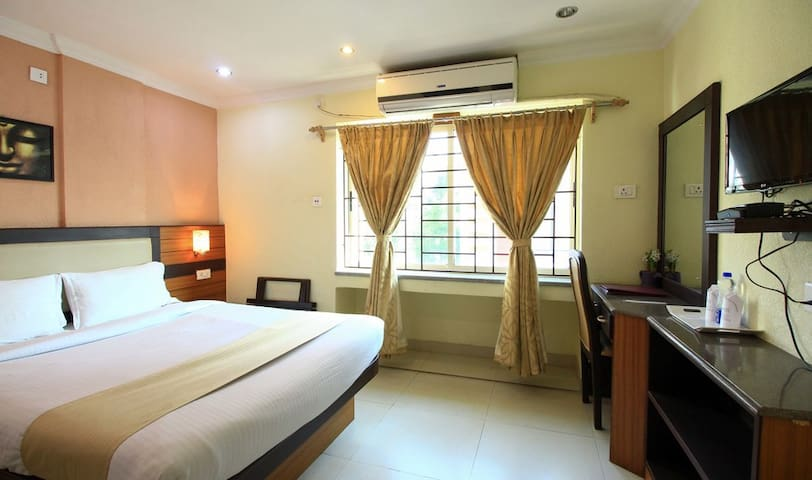 Moments - Best Value Private Rooms in Kolkata.