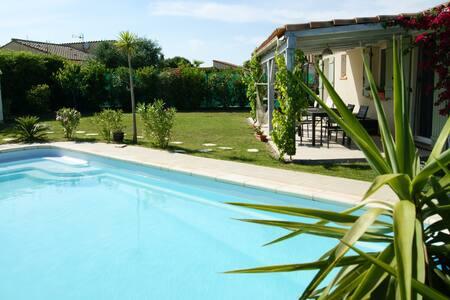 Grande villa piscine 8 personnes - Latour-Bas-Elne