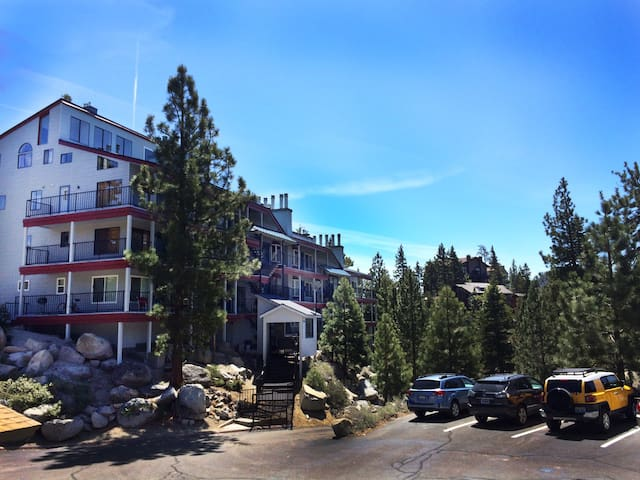 Heavenly Nevada Boulder Court Condo Sleeps 6 - Stateline - Apartment