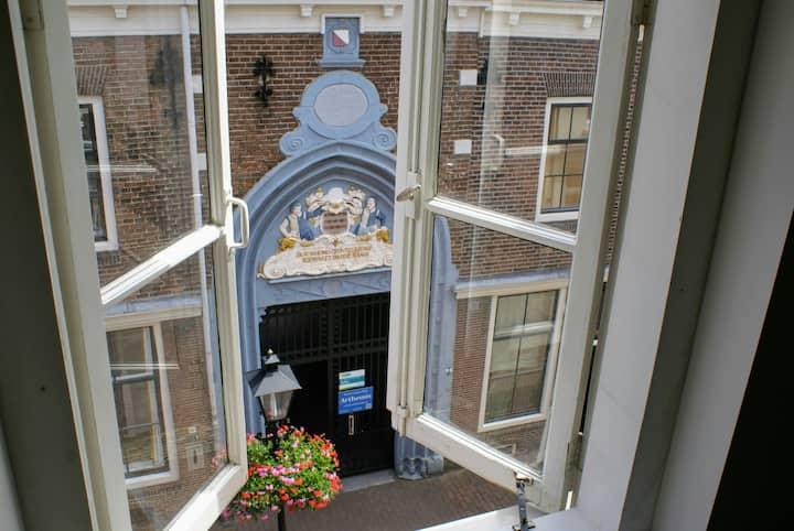 SpringApartment:  spacious in heart of Utrecht