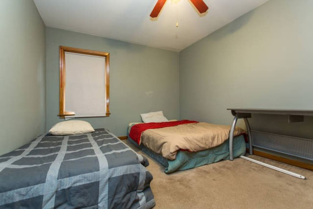 The twin bed booked with this listing.  The Queen bed is a separate listing.  Please inquire.