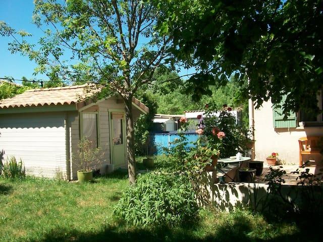 jolie villa a 20' mer  30' montagne - Assas - Villa