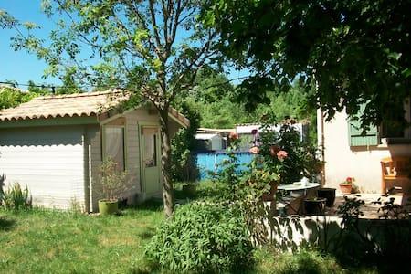 jolie villa a 20' mer  30' montagne - Assas