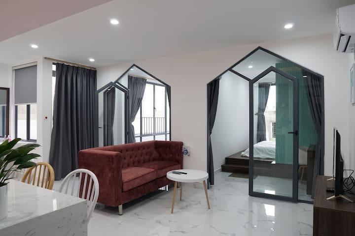 C7-Spacious Apartment-Close My Khe Beach