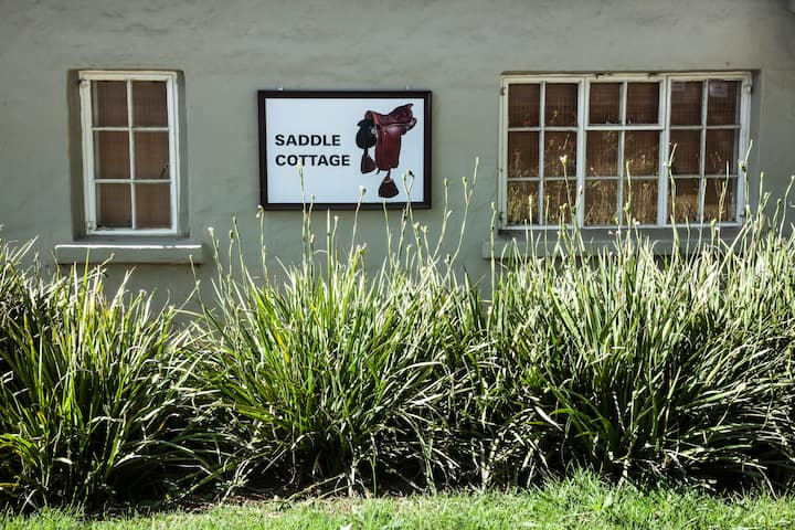 Dunning Country House-Saddle Cottage
