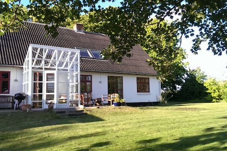 Farmhouse with magnificent view - Storvorde