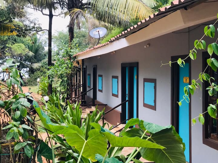 Cottage stay at peaceful side of Calangute beach