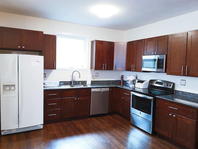Regina Downtown brand new 3 rooms suite