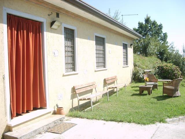 Villa vista mare collina alta versi - Seravezza - Casa