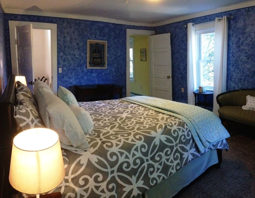 Viburnum - Private bedroom included in this listing