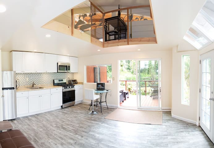 Leilani House-One Bedroom Unit