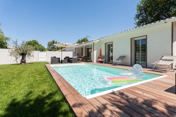 Villa avec piscine et jardin 8 personnes