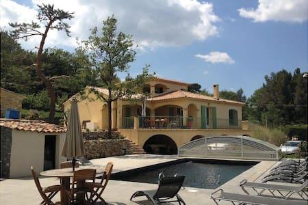Mimet-Magnifique villa 6/16 pers - Mimet - Vila