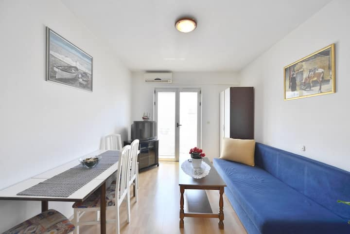 Cosy apartment 3+2 with a sea view!