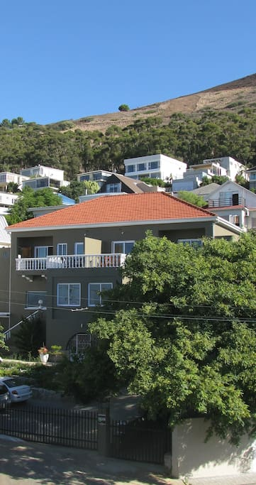 The small block with 3 apartments on the foothills of Signal Hill