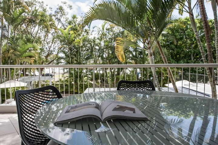 2 Bedroom Premium Gardenside Apartment centrally located on Noosa River with parking, air conditioning and resort facilities