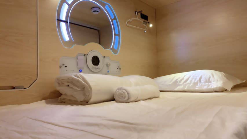 Setia Alam Capsule Hotel-Single Bed (Female Only)