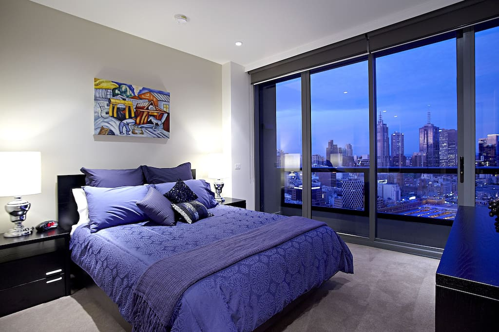 Main bedroom with balcony, walk in robe, ensuite and second foxtel connection (90+ channels including movies)