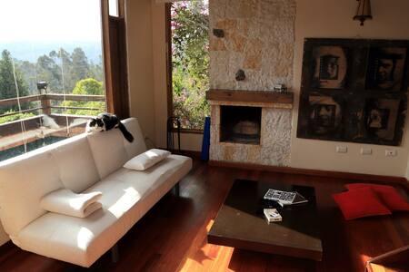 CasaUssa La Calera Habitacion Suite - La Calera - กระท่อมบนภูเขา