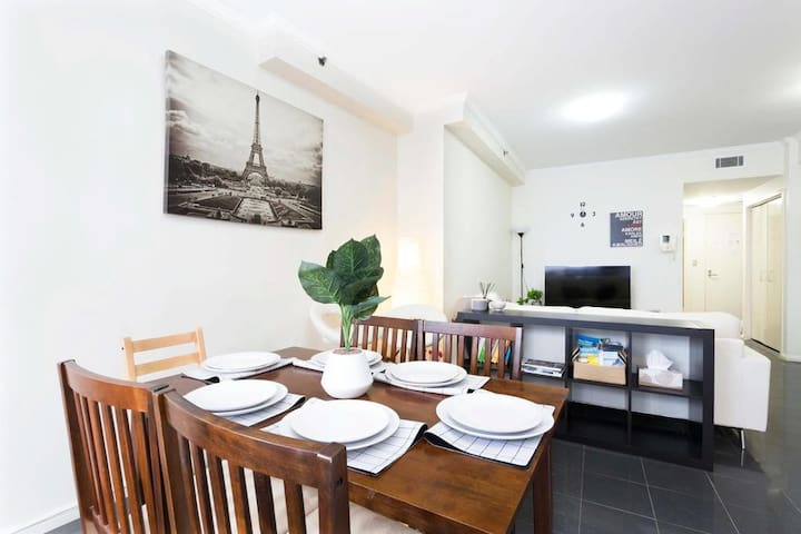 Modern 1 bedroom apartment in the heart of Sydney