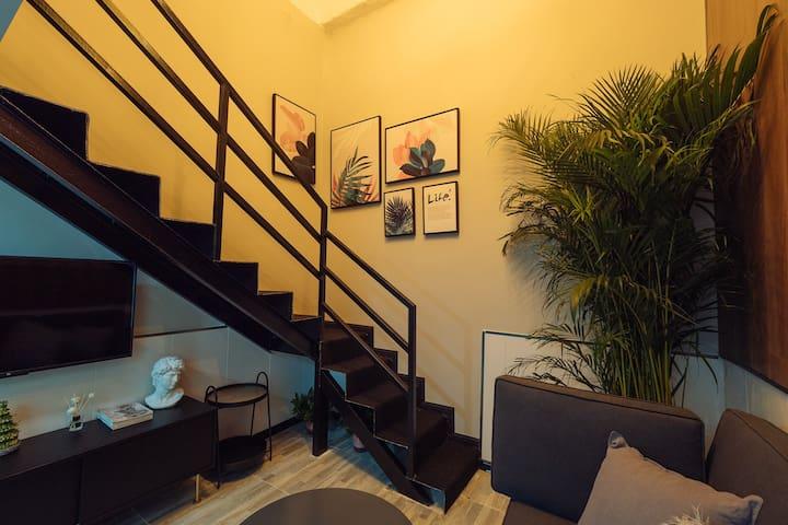 (秦淮民俗)103 LOFT北欧风格公寓。近夫子庙,老门东3号地铁线,南京南站,宜家地铁直达。