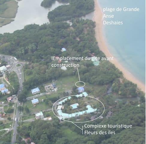 Gite pieds dans l'eau plage  Grande Anse Deshaies - GP - Dom