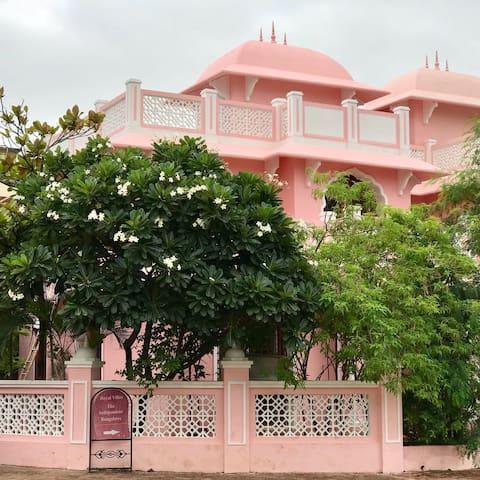 Gulbakshi -  Elegant bungalow in Wakad, Pune