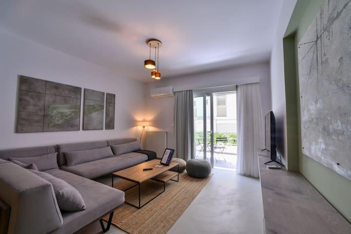 Olala Soho Apartment 2.2 | Balcony