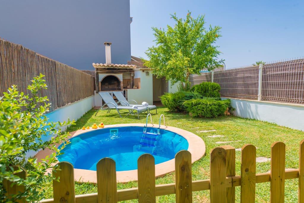 Aladerna modern house with pool near the beach houses for Modern house 8 part 6