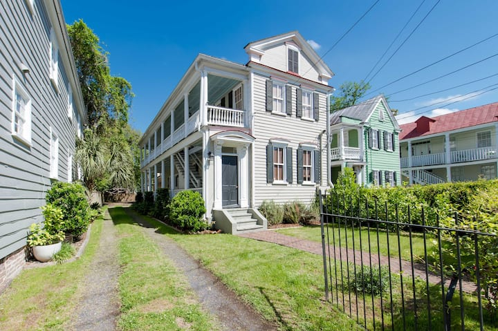 Historic Charleston Apartment