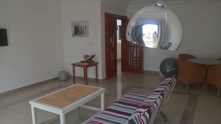 Chambre meublée  Etage à Petit Mbao près de la mer