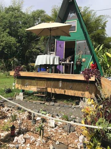 Quaint charm of tiny home living - Keaau - House