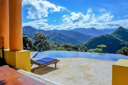 Warm Weather & Great Views in La Vega!